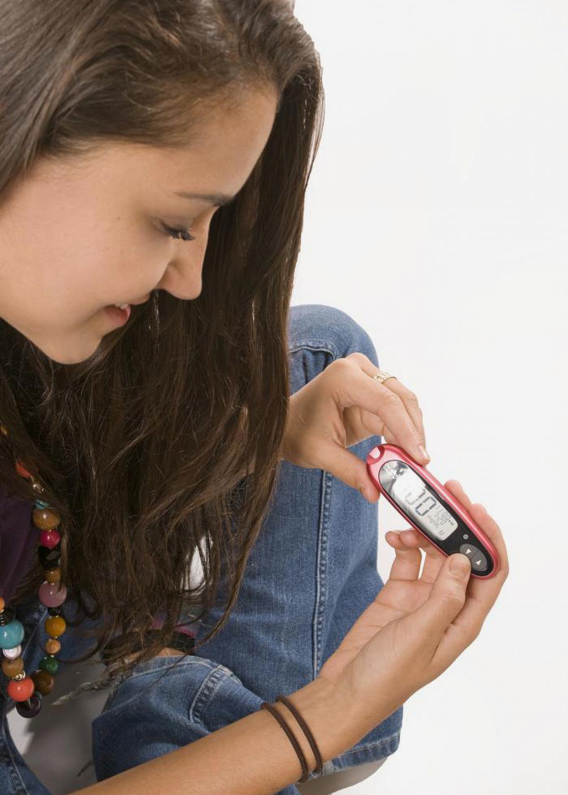 Taxas de novos casos diagnosticados de Diabetes Tipo 1 e Tipo 2 estão em ascensão entre crianças, adolescentes