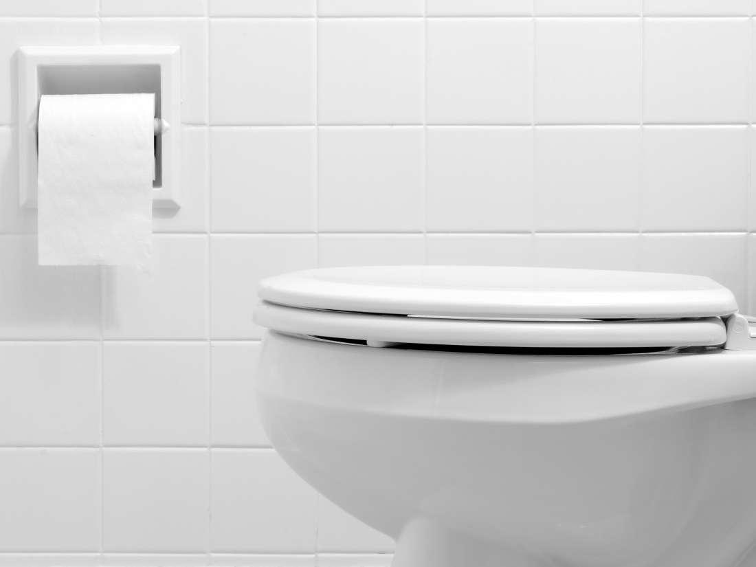 Por que minha urina é espumosa?