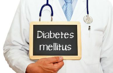 Maior HbA1c, Injeções Diárias de Insulina Aumentam o Risco de Cetoacidose Diabética