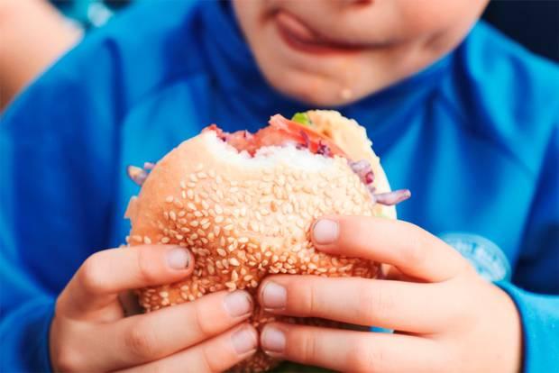 Novo Estudo: Os Pais Muitas Vezes Subestimam A Gordura Dos Filhos