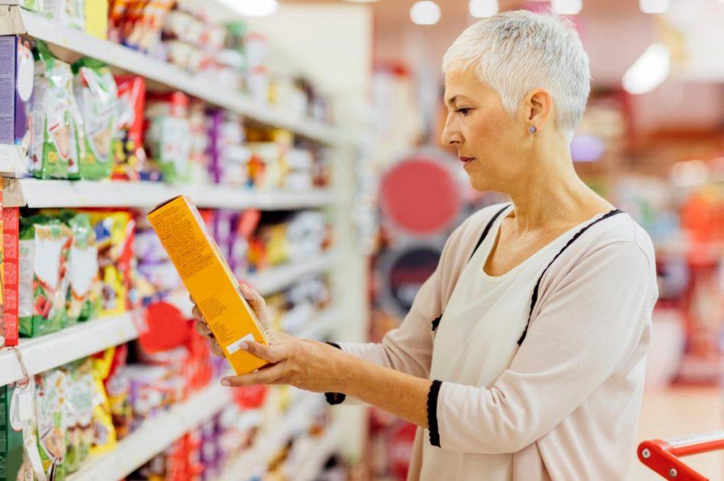 choosing-food-in-a-supermarket