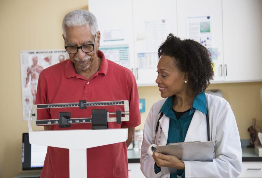 Segurança da Gastrectomia Vertical e Gastroplastia em Pacientes Idosos