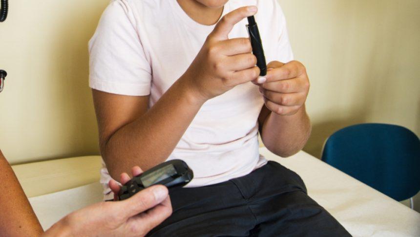 Insulina Glargina 300 unidades/mL Eficaz em Pacientes Pediátricos com Diabetes Mellitus Tipo 1