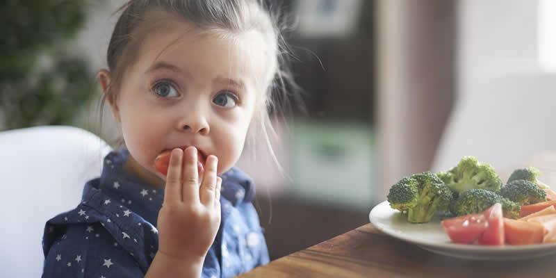 A Nutrição na Infância Afeta Significativamente o Crescimento